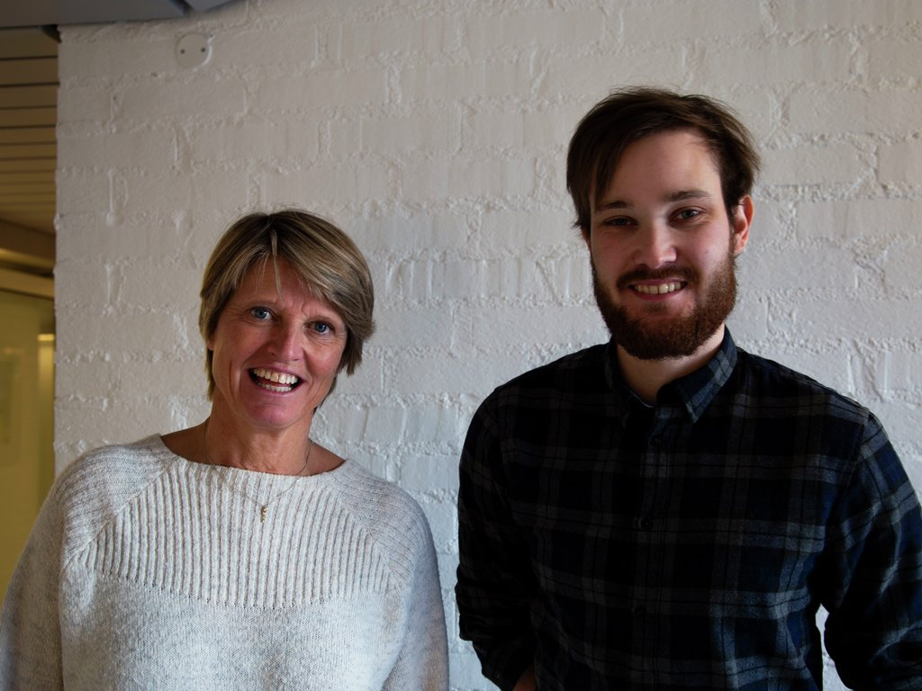 Plansjef Synnøve Stalheim saman med Truls-Einar Johnsen, som er prosjektleiar for Klimapartnarar i Sogn og Fjordane.