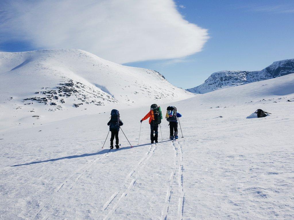 Illustrasjonsfoto av skitur