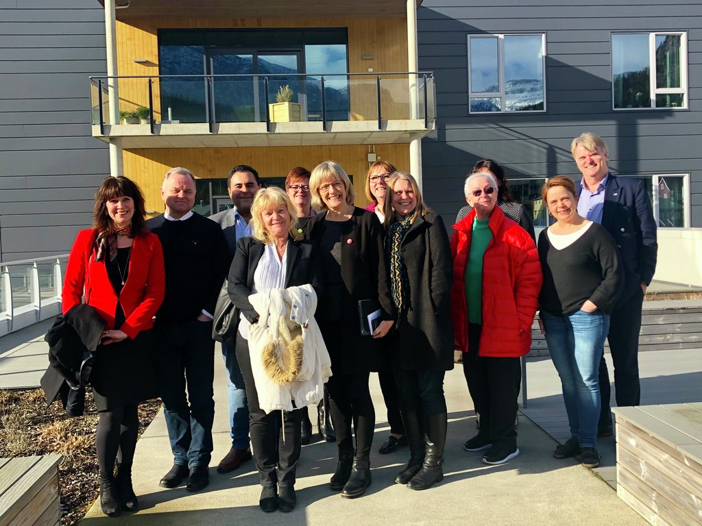 Kommunalkomiteen på besøk i Bremanger