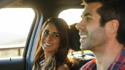 Par åker bil