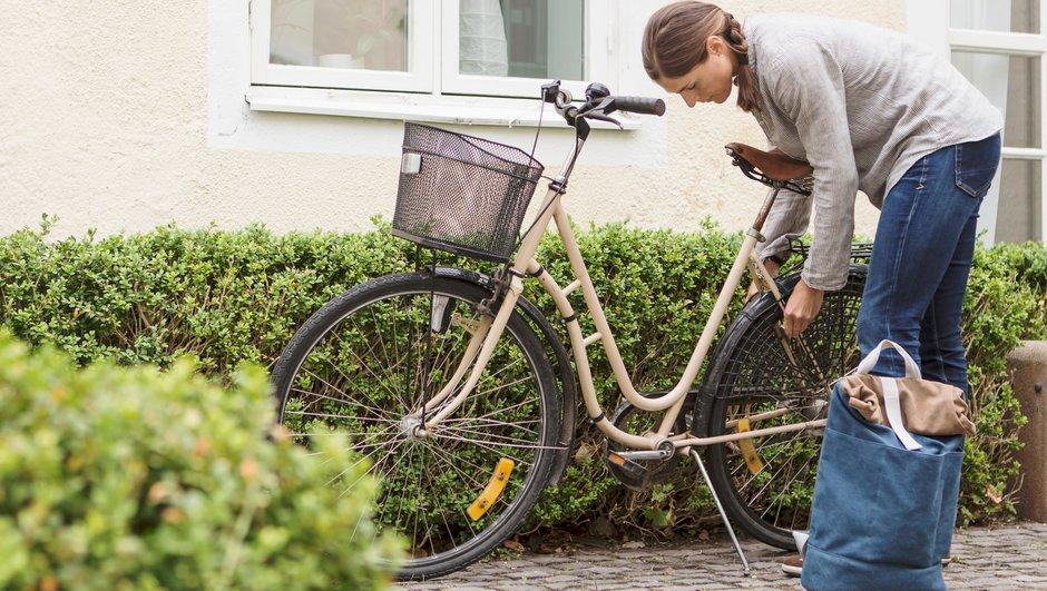 Låser cykeln