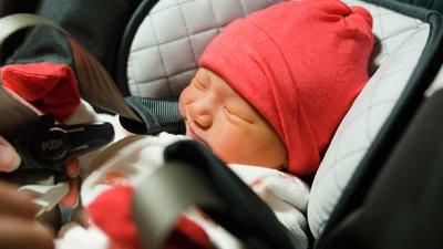 nyfött barn