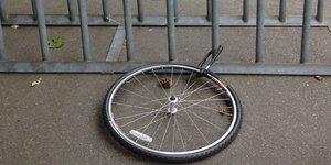 Cykellås och däck