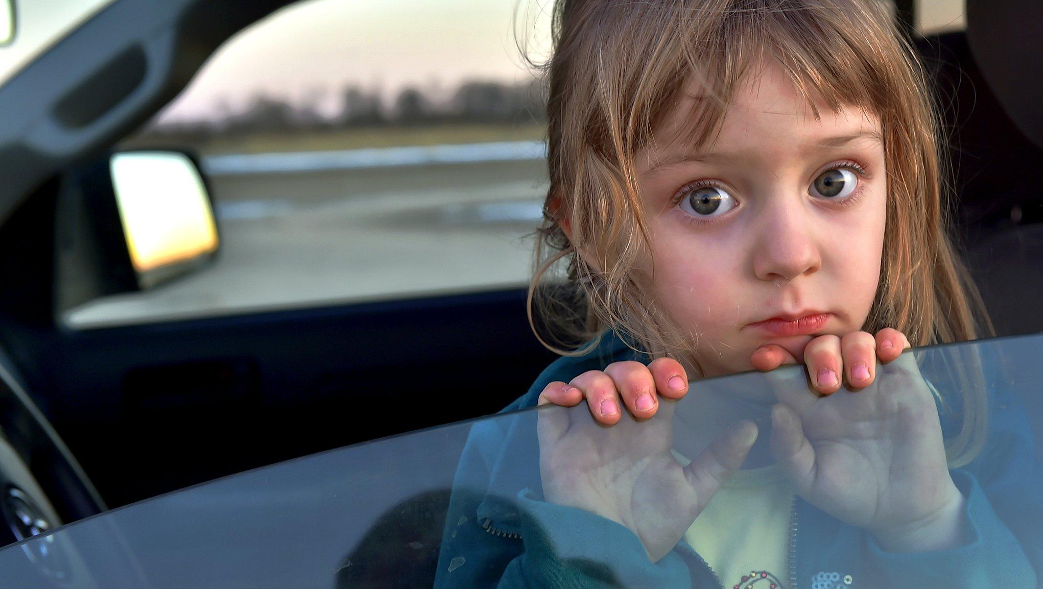 Barn i bil utomlands