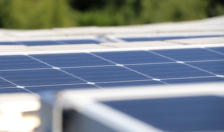 Solceller plassert på taket