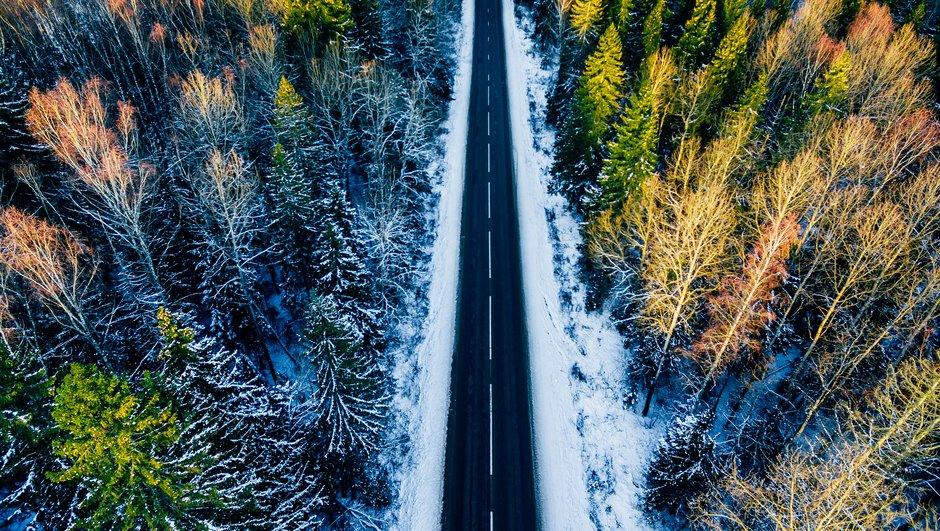 Maantie talvikelillä