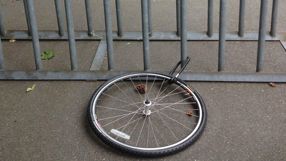 Fastlåst cykelhjul
