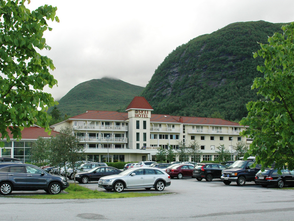 Foto av Skei Hotel i Jølster.