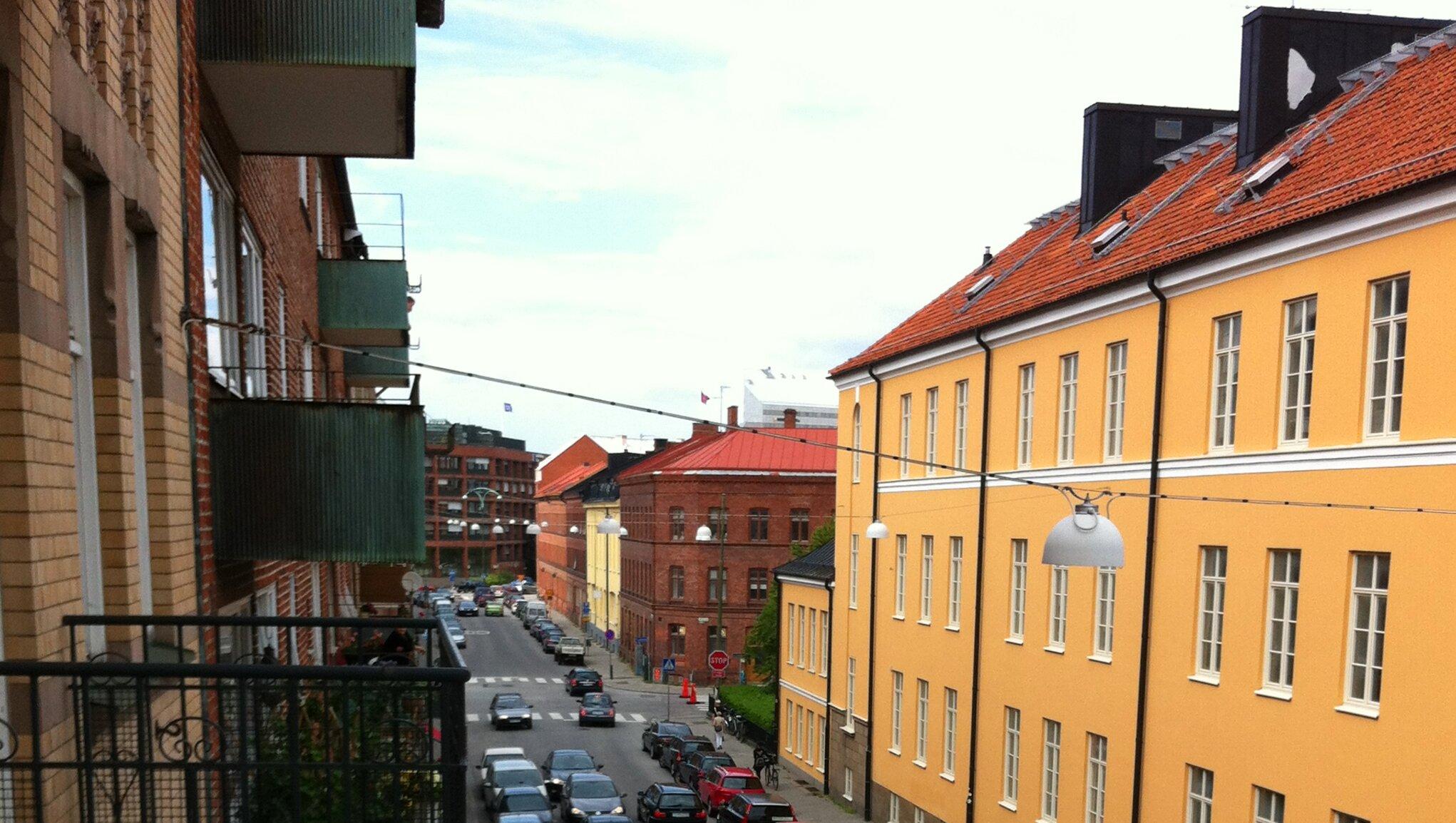 Eiendomsforsikring Gult hus og bilvei