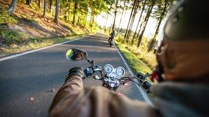 Nämäkymä moottoripyörän kyydistä
