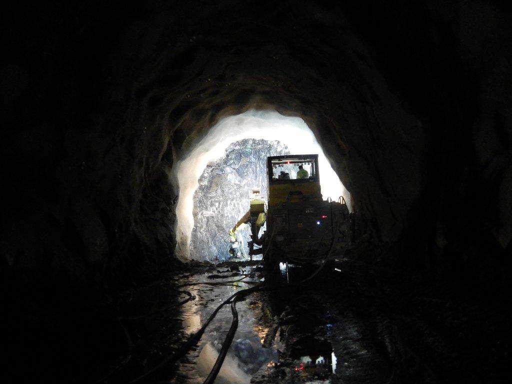 Tunnelrigg i Strandanipatunnelen innanfrå