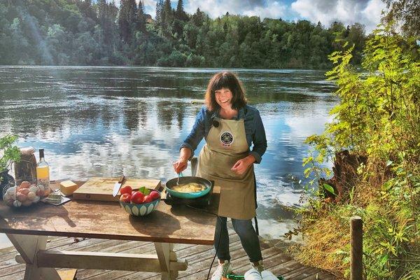 Oda Christensen viser deg hvordan du kan lage nydelige retter av noen av våre beste lokalmatprodukter i Smakslandet på Matkanalen. Hun er jurymedlem i fagjuryen til merkeordningen Spesialitet.