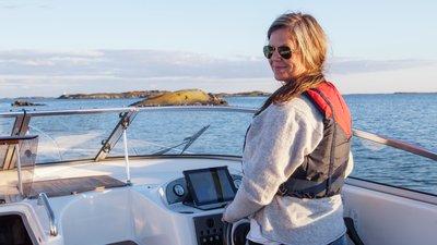 Båt som kvinna kör
