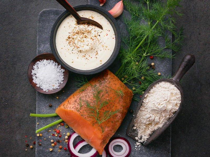 Ingredienser til rømmepizza med Svanøy laks fra Spesialitet